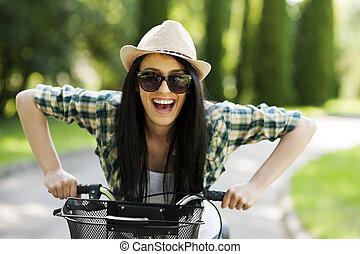 vrouw, fiets, jonge, vrolijke