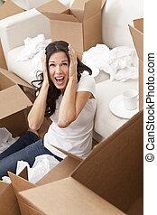 vrouw, gegil, uitpakkende dozen, bewegend huis