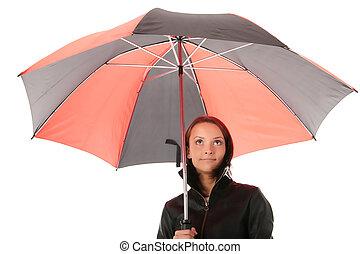 vrouw, geklede, in, black , onder, rood, en, zwarte paraplu