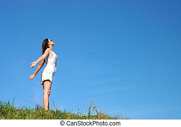 vrouw, gevoel, vrijheid, omringde, door, zomer, kleuren