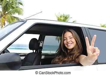 vrouw, haar, auto, rental:, strand, vrolijke
