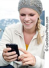vrouw, haar, jonge, hand, smartphone, blonde