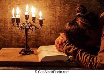 vrouw, haar, samen, biddend, handen, senior, bible., clasped