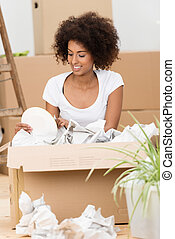 vrouw, haar, woning, kartons, nieuw, uitpakken