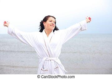 vrouw, het genieten van, de, koel, vers zenden uit, van, de, strand