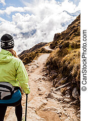 vrouw het lopen, wandelende, in, himalaya, bergen, nepal