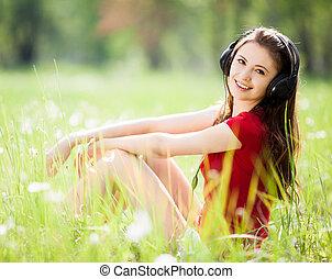 vrouw, het luisteren, om te, de, muziek