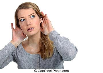 vrouw, het luisteren, voorzichtig
