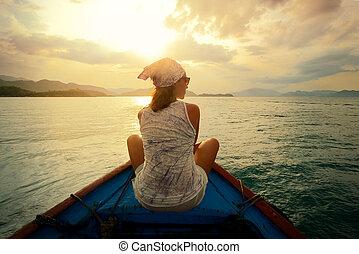 vrouw, het reizen, door, scheepje, op, ondergaande zon ,...