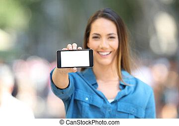 vrouw, het tonen, een, leeg, horizontaal, telefoon, scherm