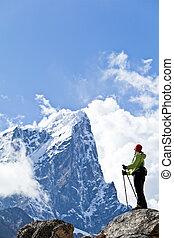 vrouw hiking, in, himalaya, bergen