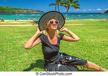 vrouw, hoedje, hawaiian