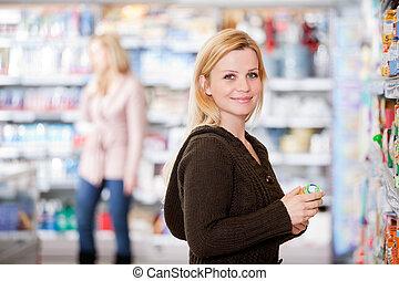 vrouw, in, grocery slaan op