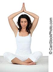 vrouw, in, yoga positie
