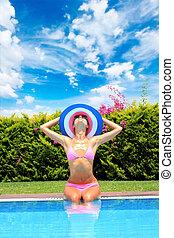 vrouw, jonge, pool, zwemmen