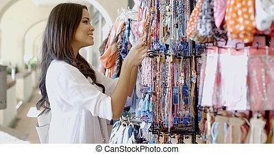 vrouw, kies, kleren, op, winkel