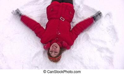 vrouw, ligt, op, sneeuw, met, handen, als, vleugels