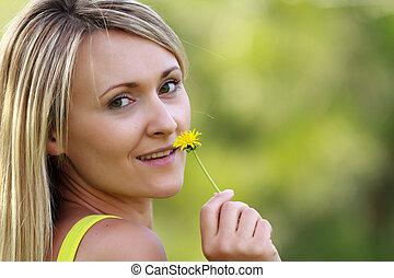 vrouw, met, bloem