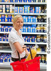 vrouw, op, de, supermarkt