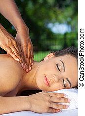 vrouw, op, gezondheid spa, hebben, relaxen, masseren