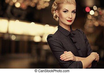 vrouw, op, retro, achtergrond, vaag