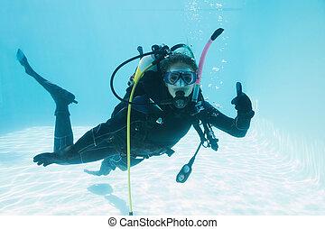 vrouw, op, scuba, opleiding, ondergeduikenene, in, zwembad,...