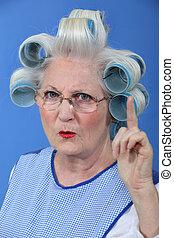 vrouw, oud, haar, afkeuring, zwaaiende , vinger