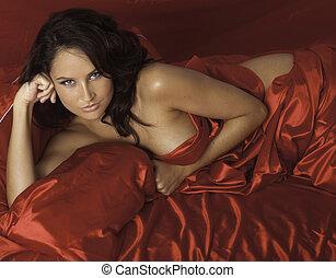 vrouw, satijn, rood, bladen