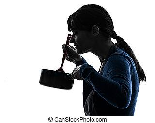 vrouw, silhouette, het koken, ruiken
