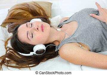 vrouw, slapende, headphones