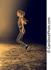 vrouw, Sportief, het uitoefenen, jonge, koord, het overslaan, Bovenkant, aanzicht