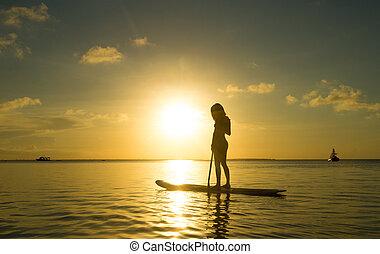 vrouw, strand, ontspant, vrolijke