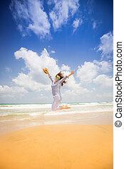 vrouw, strand, springt, vrolijke