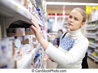 vrouw, supermarket.