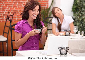 vrouw, twee, restaurant
