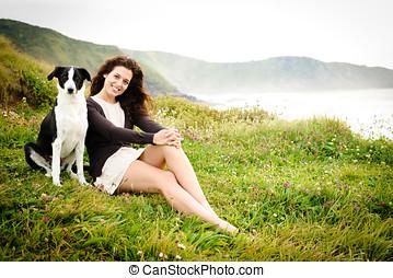 vrouw, vakantie, met, dog