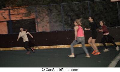 vrouw, voetbal, team., buitenshuis, spelend, vrouwen