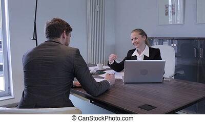 vrouw, werkende , in, een, stedelijke , kantoor