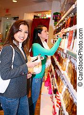 vrouw winkelen, gedurende, feestdagen