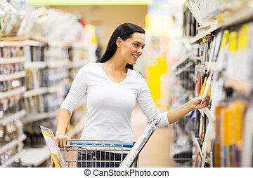 vrouw winkelen, jonge, hardware, gereedschap, winkel