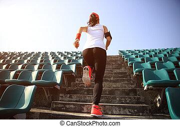 vrouw, workout, trap., loper, wellness, atleet, rennende , jogging, fitness, concept.