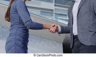 vrouw zaak, rillend, handdruk, handen, bemannen vergadering, mensen, -