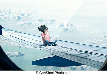 vrouw zitten, draagbare computer, telefoon, schaaf, vleugel
