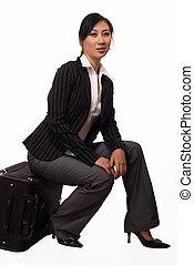 vrouw zitten, op, bagage