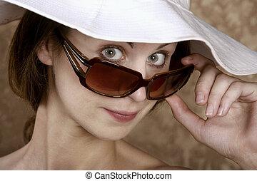 vrouw, zonnebrillen