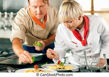 vrouwelijke chef-kok, in, een, restaurant, keuken, het koken