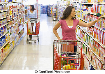 vrouwen, grocery boodschapend doend