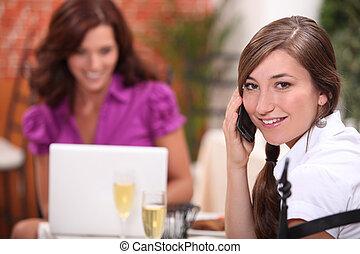 vrouwen, twee, restaurant