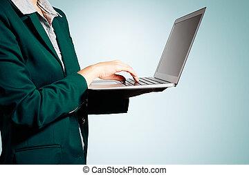 vrouwenholding, handen, zakelijk, screen., vrijstaand, leeg, draagbare computer