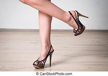 vrouwlijk, benen, met, de, schoentjes